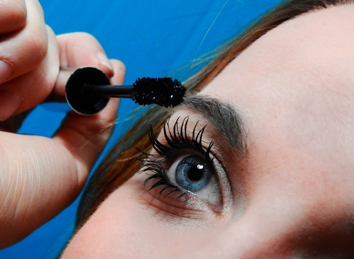 How Long Do Eyelash Extensions Last?
