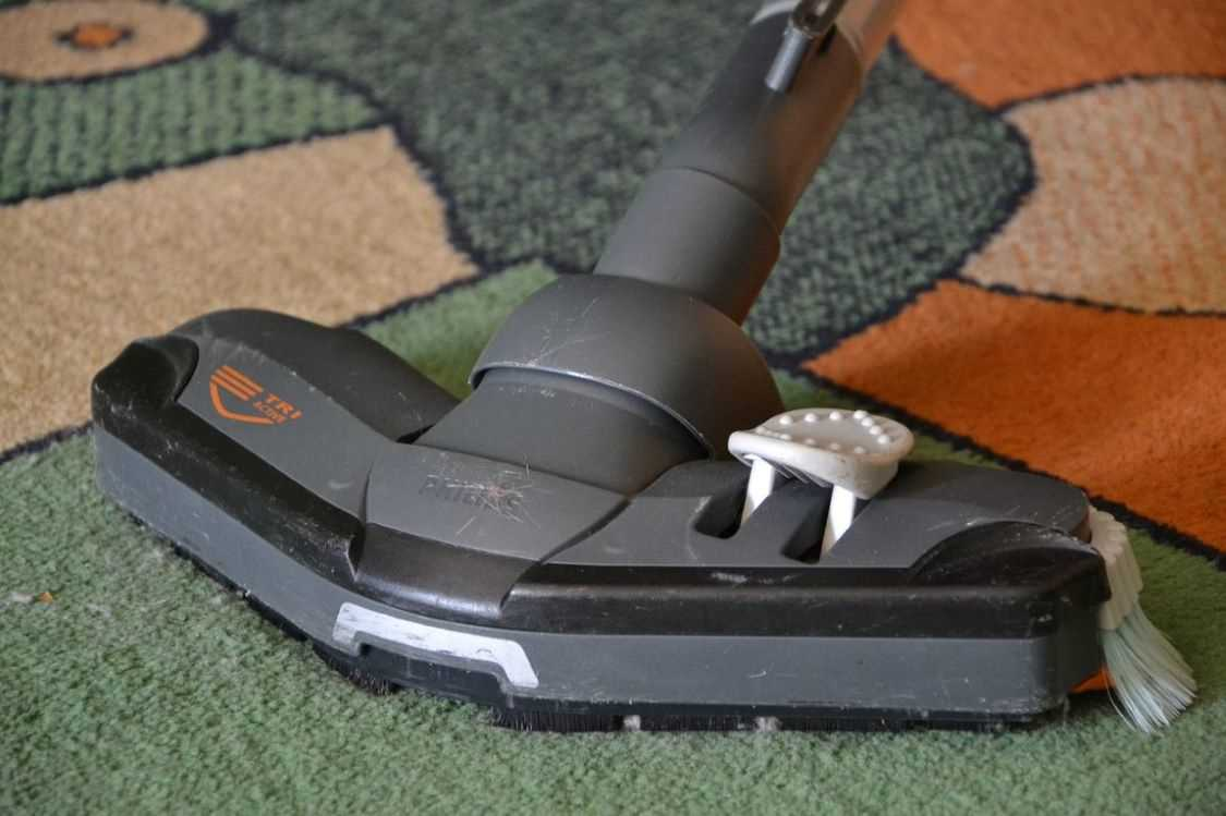 Different Kinds of Carpet Cleaning Devices for the Right Carpet Maintenance