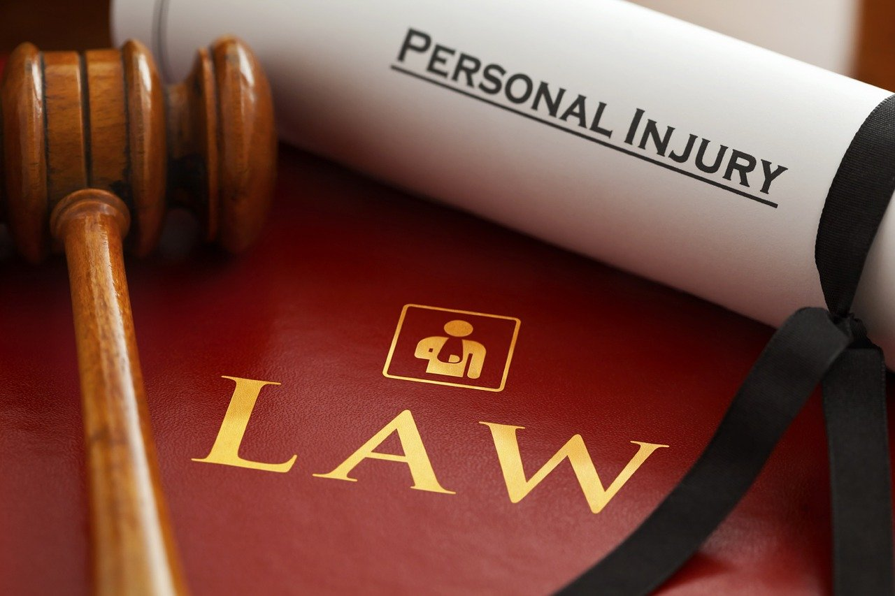 Personal Injury Lawyers – Why You Should Work With Them