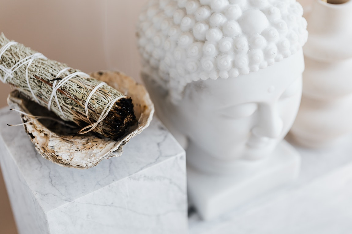Delving In Deeper Into the Essence of Aromatherapy and Incense